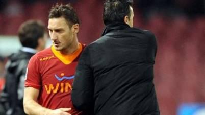 Francesco Totti e Luis Enrique durante il match del San Paolo