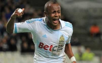 Il ghanese Ayew esulta per il gol vittoria