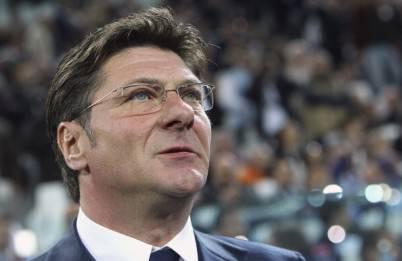 Il tecnico del Napoli Walter Mazzarri
