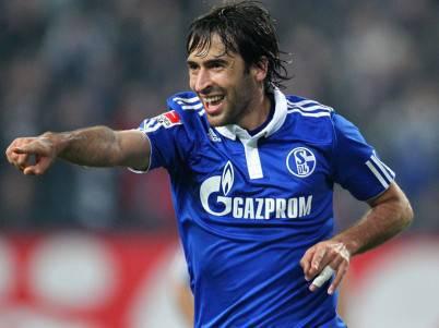 Raul con la maglia dello Shalke 04