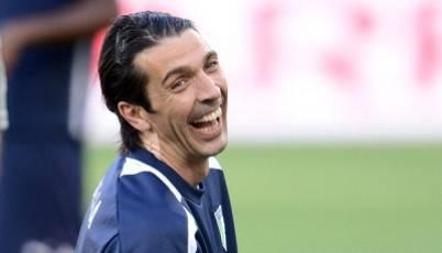 Buffon su De Rossi