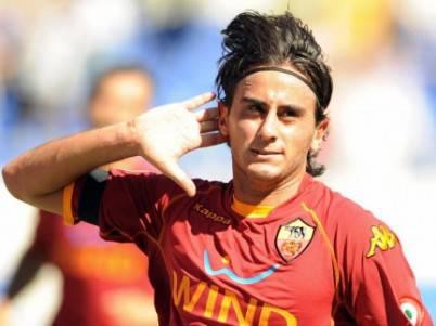 aquilani1 e1343655576376 Calciomercato, Alberto Aquilani verso la Fiorentina