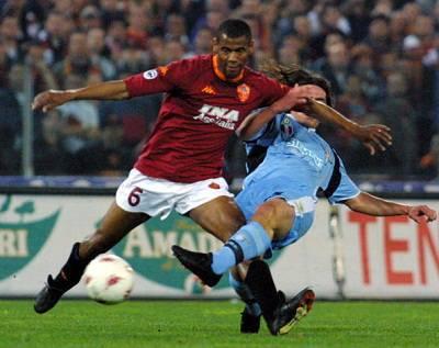 Aldair durante uno degli ultimi derby disputati nella Capitale (Getty Images)