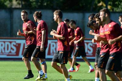 La As Roma in allenamento a Trigoria