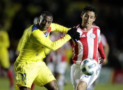 Ivan Piris con la maglia del Paraguay