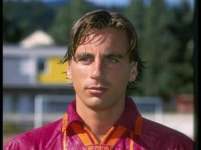 Fabio Petruzzi in maglia giallorossa