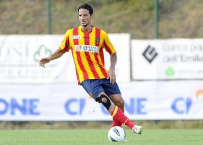 Il difensore del Lecce Stefano Ferrario