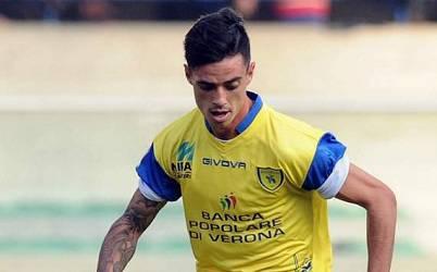 L'attaccante rumeno Adrian Stoian