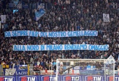 Un omaggio della Curva Nord all'Inter