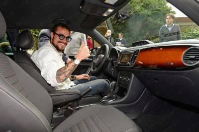 Osvaldo a bordo della sua nuova macchina