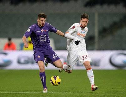 Un'immagine della partita in corso tra Fiorentina e Roma