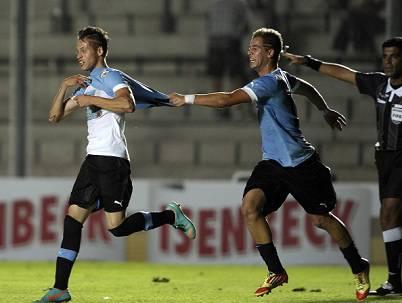 Nicolas Lopez dopo aver segnato il gol al Perù (Getty Images)