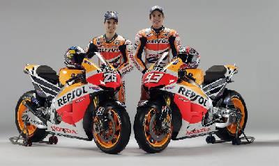 I due piloti alla presentazione della nuova Honda