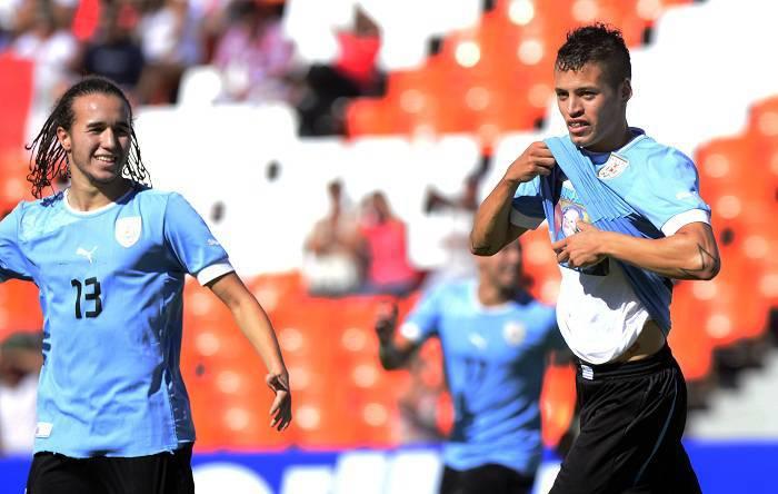 Nicolas Lopez con la maglia dell'Uruguay (Getty Images)