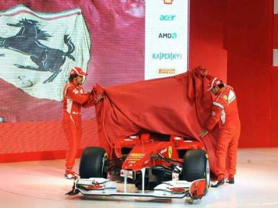 Alonso e Massa svelano la F138