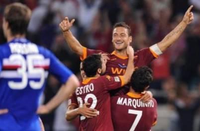 L'esultanza di Totti