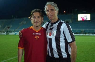 Foto di repertorio di Totti e Malagò