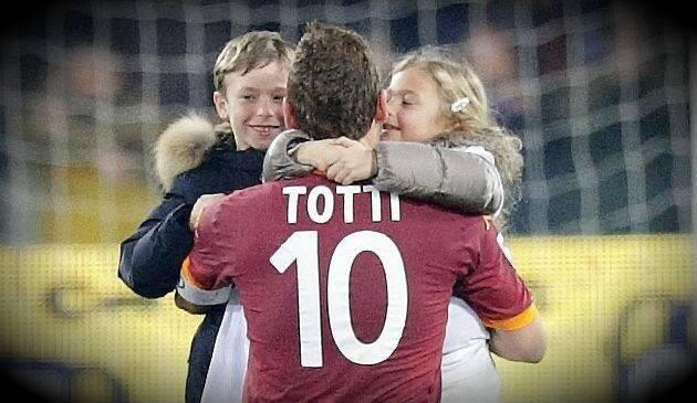 Francesco Totti con i suoi figli Cristian e Chanel