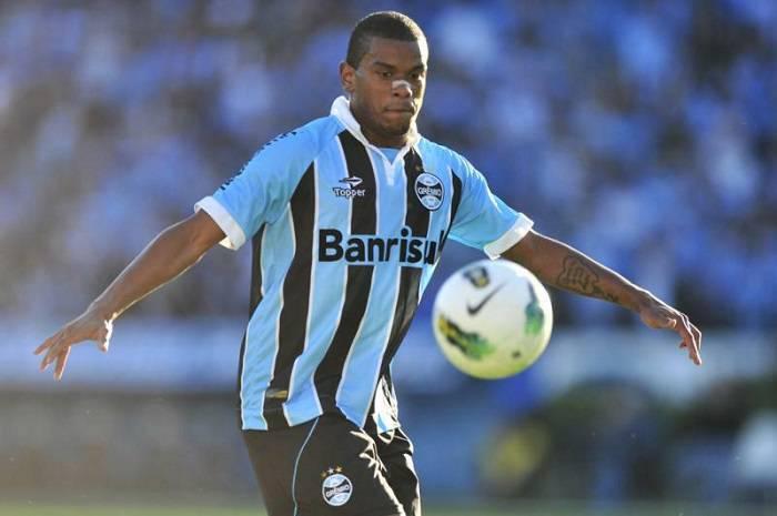 Il centrocampista del Gremio Fernando