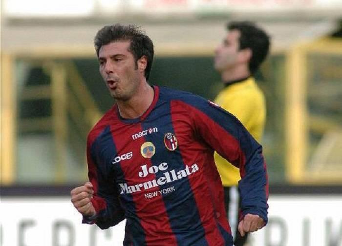 Massimo Marazzina con la maglia del Bologna