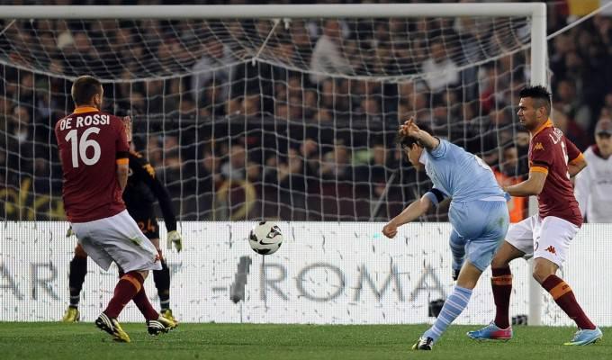 Un momento di Roma-Lazio