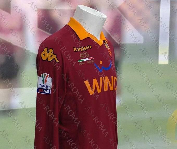 La maglia che indosserà la Roma durante la finale di Coppa Italia