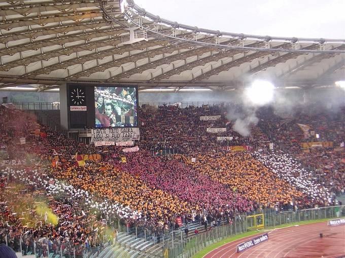 Un'immagine dei tifosi della Roma