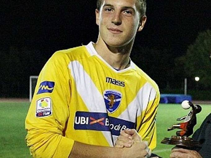 Il giovane portiere del Brescia Alessio Cragno