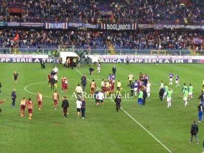 Le squadre escono dal campo, finisce 0-2 al Ferraris