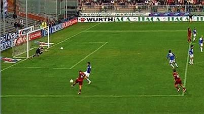 Il gol di Totti alla Sampdoria nel 2006
