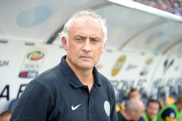 L'allenatore del Verona Mandorlini