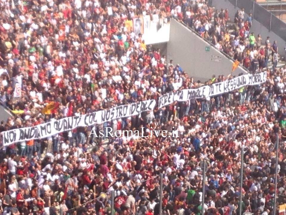 Striscione tifosi roma a Sassuolo