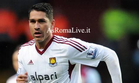 Marco Borriello con la maglia del West Ham