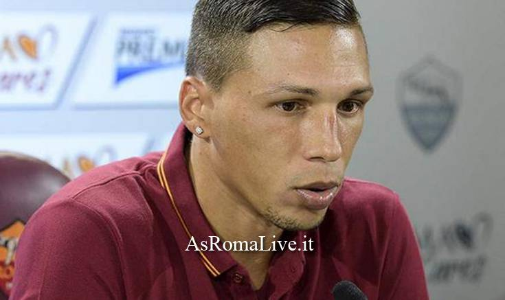 Holebas in conferenza stampa
