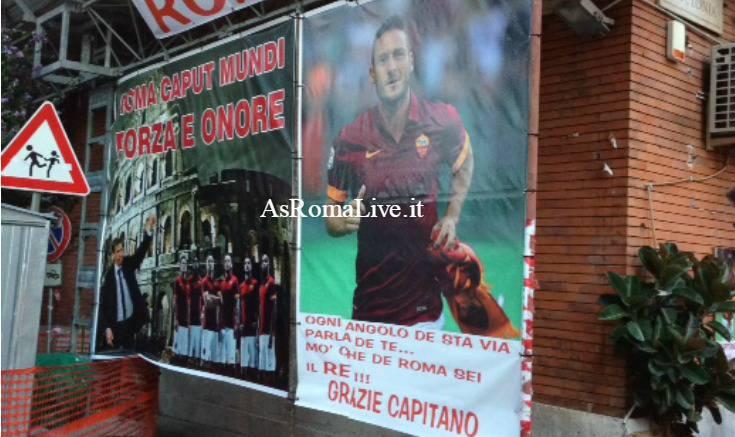 Striscione Totti