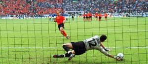 Toldo in Italia-Olanda del 2000