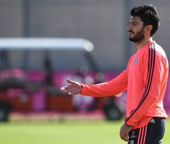 Bayern Munich's defender Serdar Tasci attends the last team trainings session one day before the Champions League last 16, first-leg match between Juventus Turin and Bayern Munich at the trainings field in Munich, southern Germany, on February 22, 2016. / AFP / CHRISTOF STACHE (Photo credit should read CHRISTOF STACHE/AFP/Getty Images)