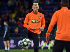 Shakhtar Donetsk's Ukrainian midfielder Viktor Kovalenko warms up prior to the UEFA Champions League Group C football match between FC Shakhtar Donetsk and Manchester City FC at the OSK Metalist stadium in Kharkiv on September 18, 2019. (Photo by Genya SAVILOV / AFP) (Photo credit should read GENYA SAVILOV/AFP via Getty Images)
