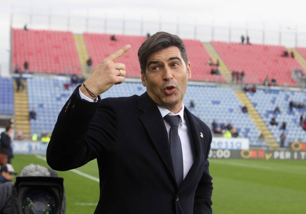CAGLIARI, ITALY - MARCH 01: Paulo Fonseca coach of Roma looks on during the Serie A match between Cagliari Calcio and AS Roma at Sardegna Arena on March 1, 2020 in Cagliari, Italy. (Photo by Enrico Locci/Getty Images)