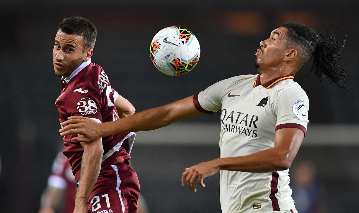 Il Manchester United chiede soldi per liberare Smalling per il Siviglia